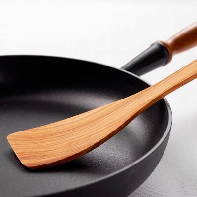 Espàtula de cuina corbada fusta d'olivera 30 cm