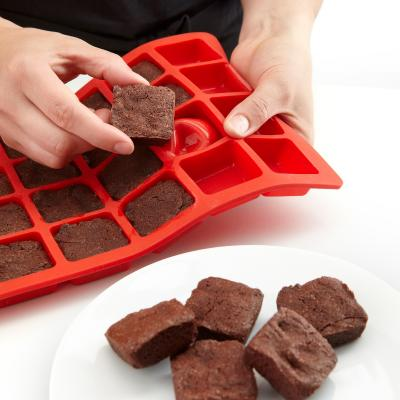 Motllo mini Brownies silicona 24 cav.