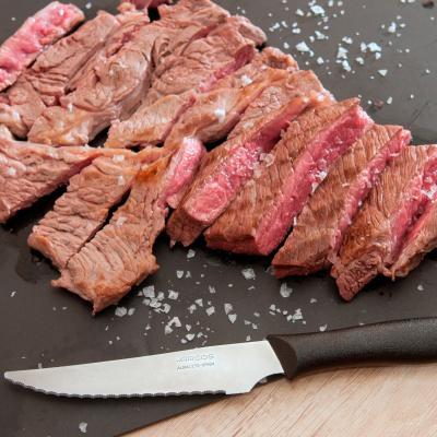 Ganivet carn serrat Arcos 11 cm negre