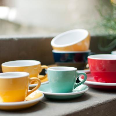 Plat tassa cafè cappuccino barista