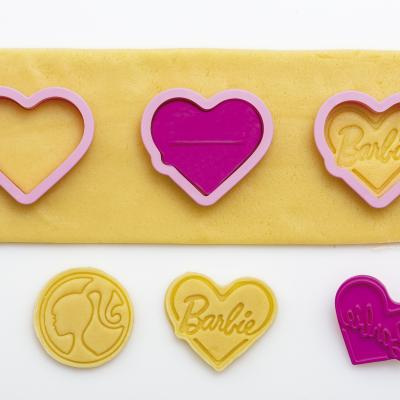Set 2 talladors i marcadors galetes plàstic Barbie