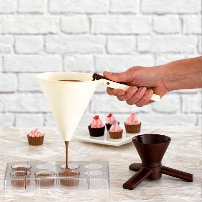 Embut dispensador amb base xocolata