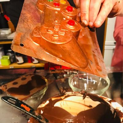 Molde Mona Pascua chocolate Mando videojuego