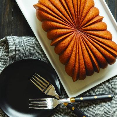 Molde pastel Nordic Fluted Loaf pan